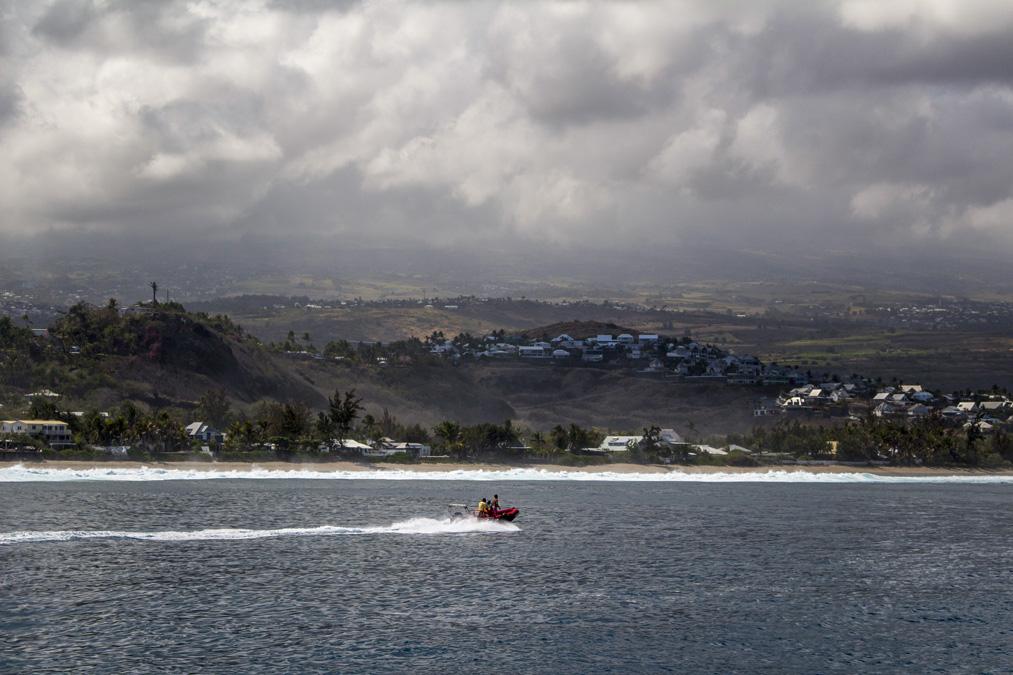 Bâteau sur la côte ouest de la Réunion