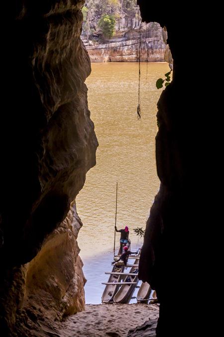 Grotte dans les Gorges de Manambolo à Madagascar