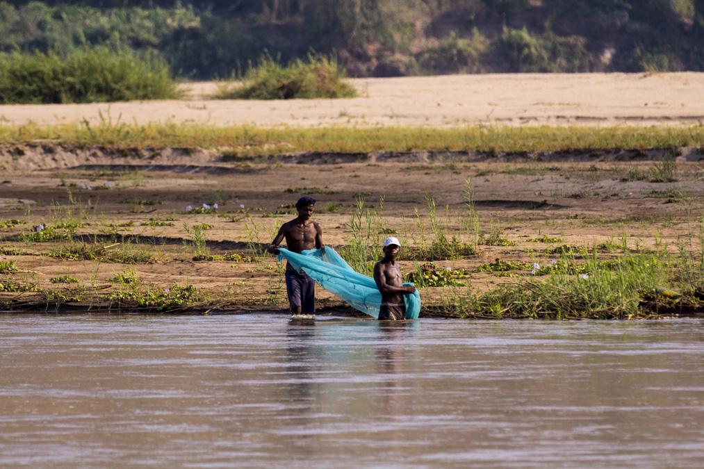 Pêcheurs au filet à Madagascar
