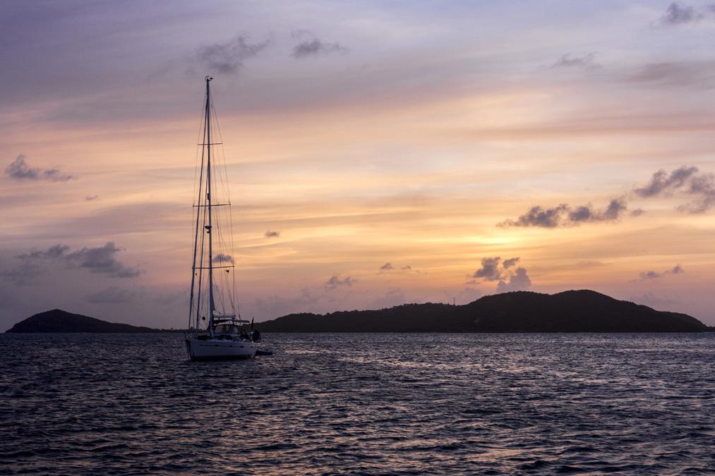 Coucher de soleil sur les Tobago Cays aux Grenadines