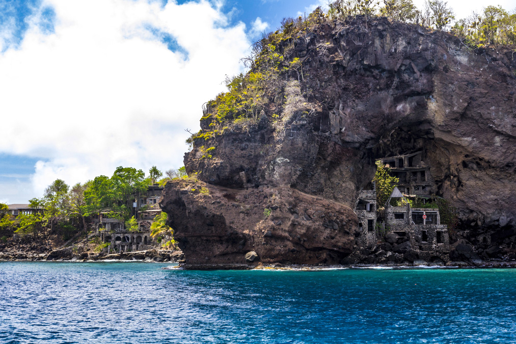 Moonhole de l'île Bequia aux Grenadines