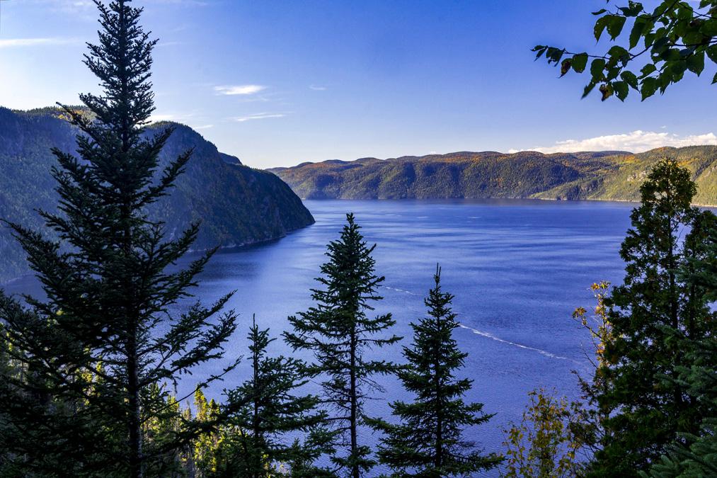 Baie Éternité dans le Parc national du Fjord-du-Saguenay au Canada