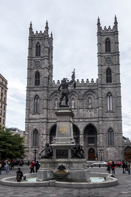 Basilique Notre-Dame de Montréal au Canada