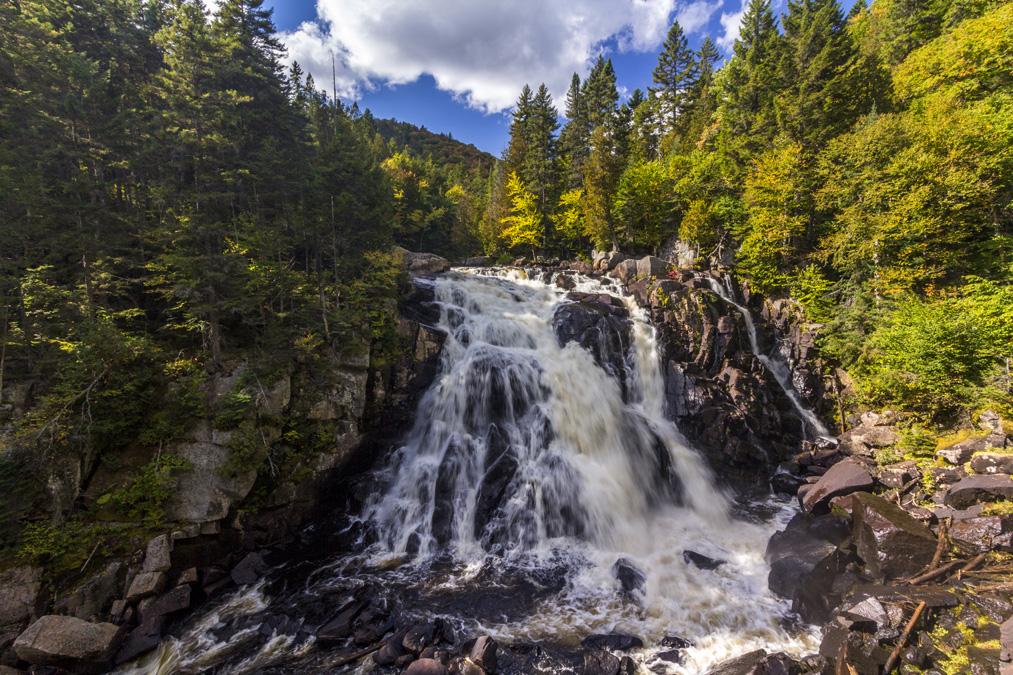 Chute du Diable dans le Parc National du Mont Tremblant au Canada