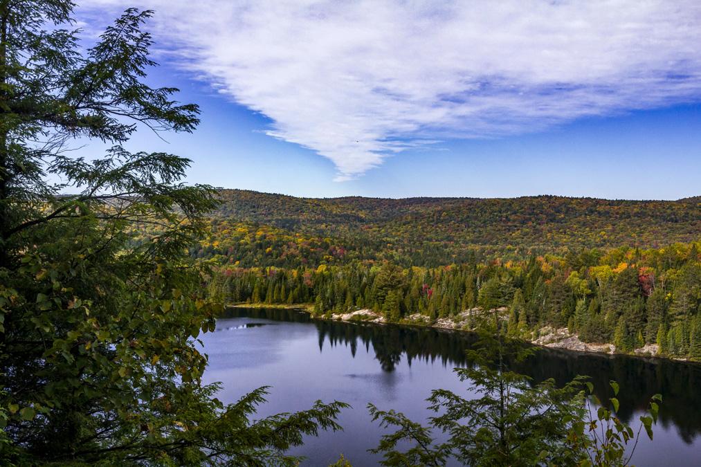 Lac aux Chevaux dans le Parc National de la Mauricie au Canada