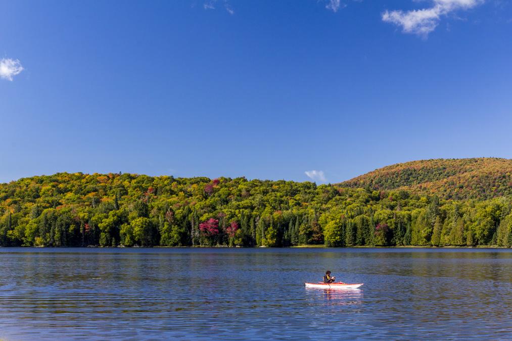 Lac Monroe dans le Parc National du Mont Tremblant au Canada