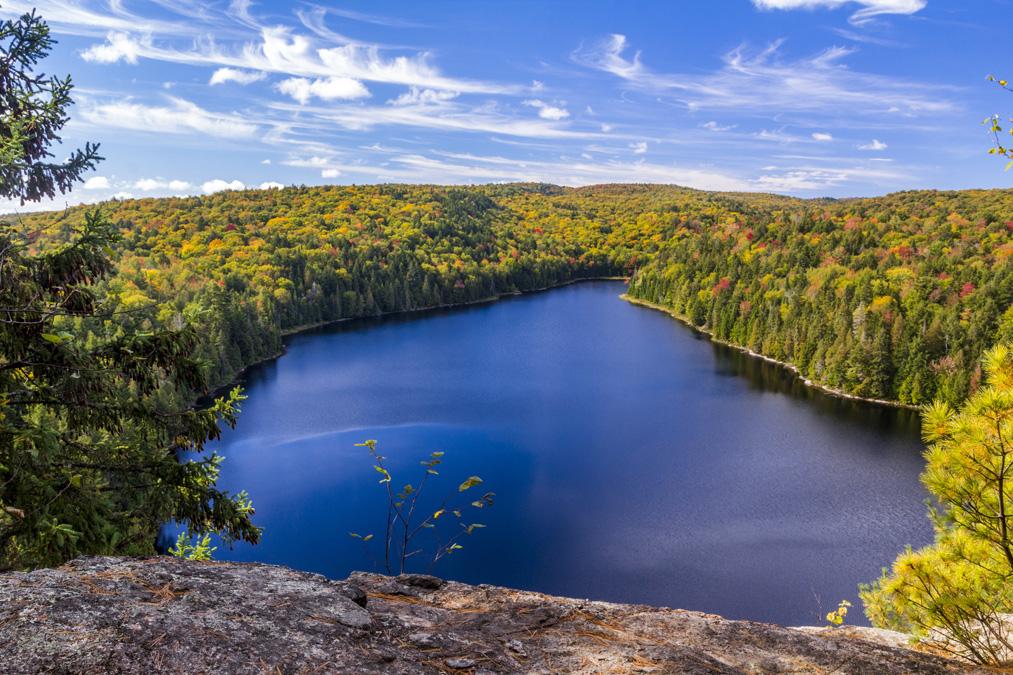 Lac Pimbina dans le Parc National de la Mauricie au Canada