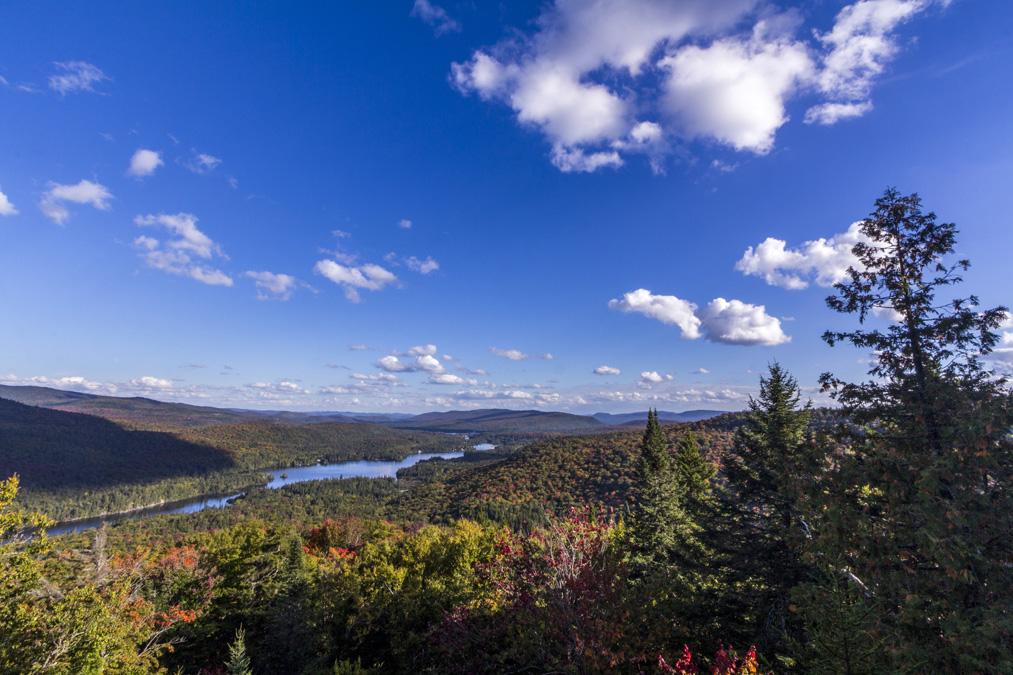 Lac Provost dans le Parc National du Mont Tremblant au Canada