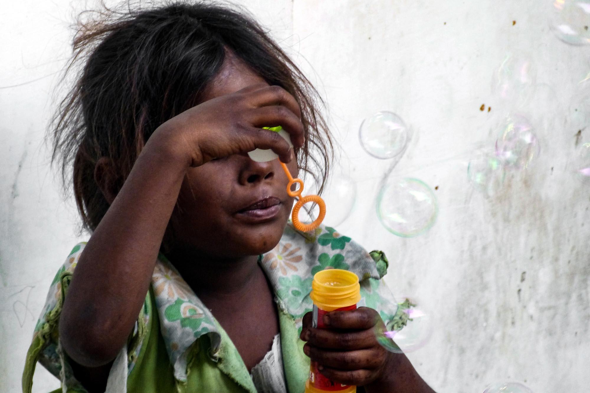 Portrait d'une fille indienne en Inde du Nord