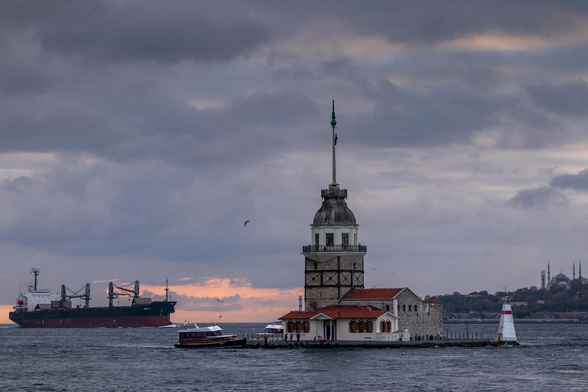 Kız Kulesi (Tour de Léandre) dans la ville d'İstanbul en Turquie