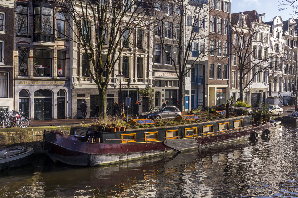 Canal Kloveniersburgwal à Amsterdam