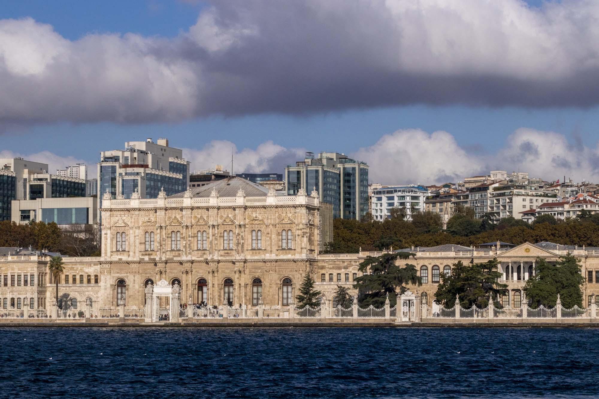 Dolmabahçe Sarayi dans la ville d'İstanbul en Turquie