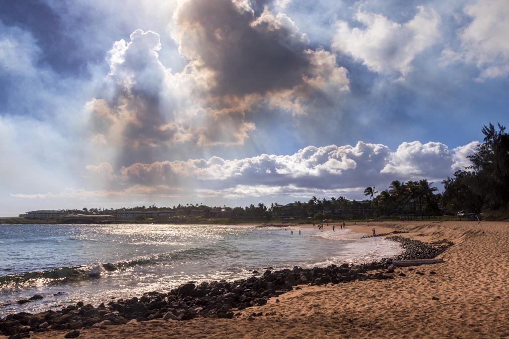 Shipwreck Beach sur l'île Kauai de l'archipel d'Hawaï
